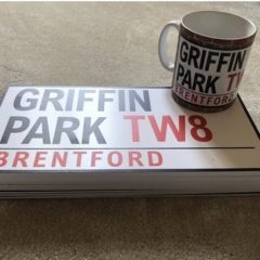 Griffin Park Road sign and Mug